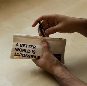 Galería de estilo - Estuche Margo 'A better world is possible' - Ekomodo