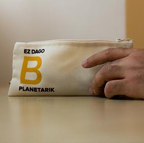 Galería de estilo - Estuche Margo 'Ez dago B planetarik' - Ekomodo